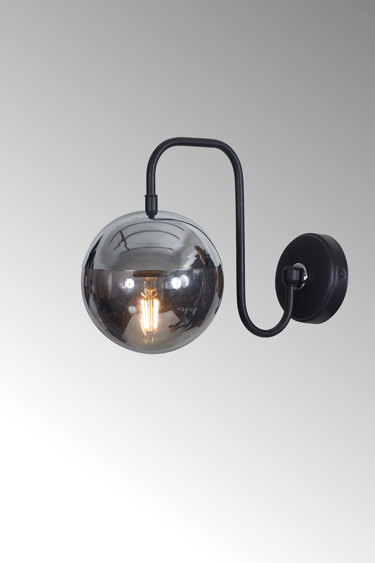 Siesta Krom-Siyah Metal Gövde Füme Camlı Tasarım Lüx Aplik